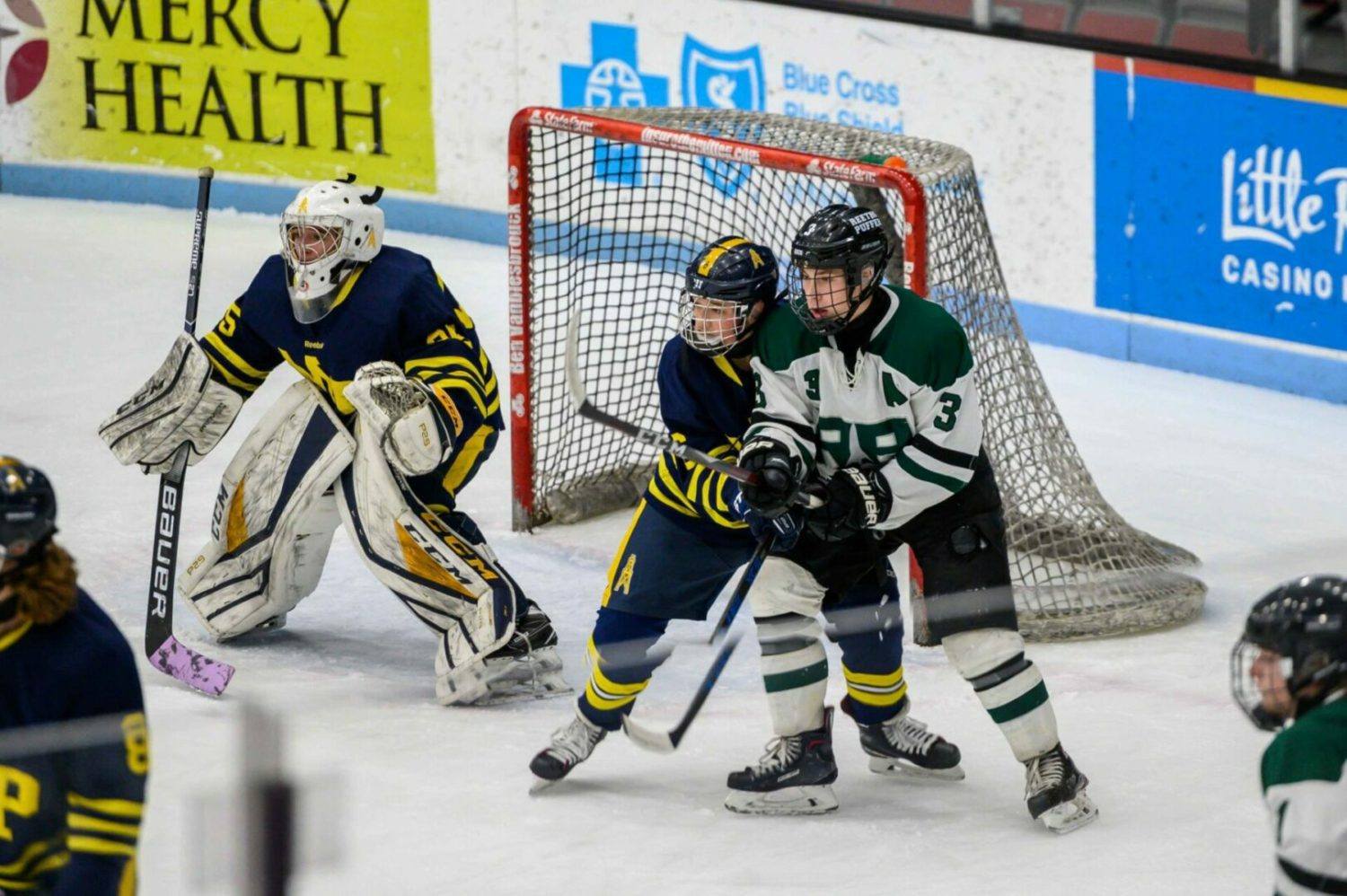 Reeths-Puffer hockey team pulls together a 6-2 win, increases season victory total to 13