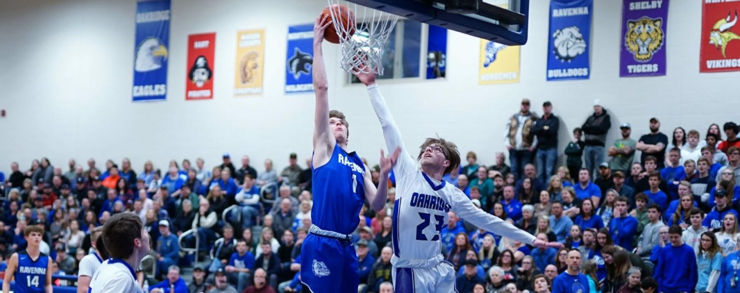 Undefeated Ravenna boys blow out Oakridge 70-36, clinch at least a share of conference title