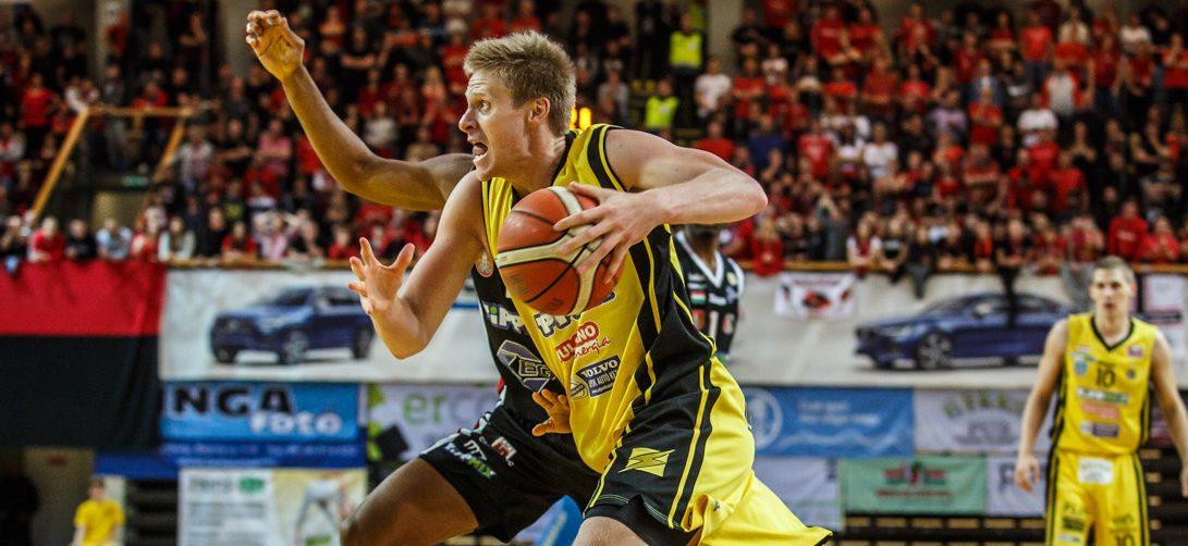 Despite the interruption, former WMC star Evan Bruinsma far from finished with European basketball career
