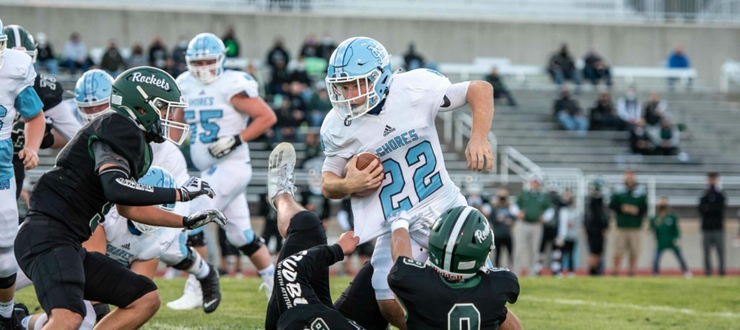 State champ Mona Shores Sailors begin their title defense with an easy 55-0 victory over Reeths-Puffer