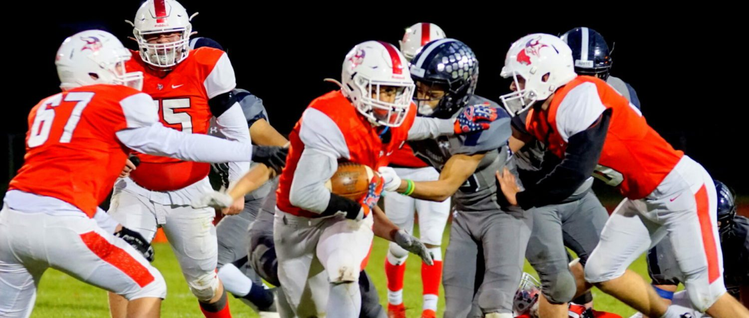 Whitehall football team looks powerful in playoff opener, pounding Fruitport 46-8 in Division 4