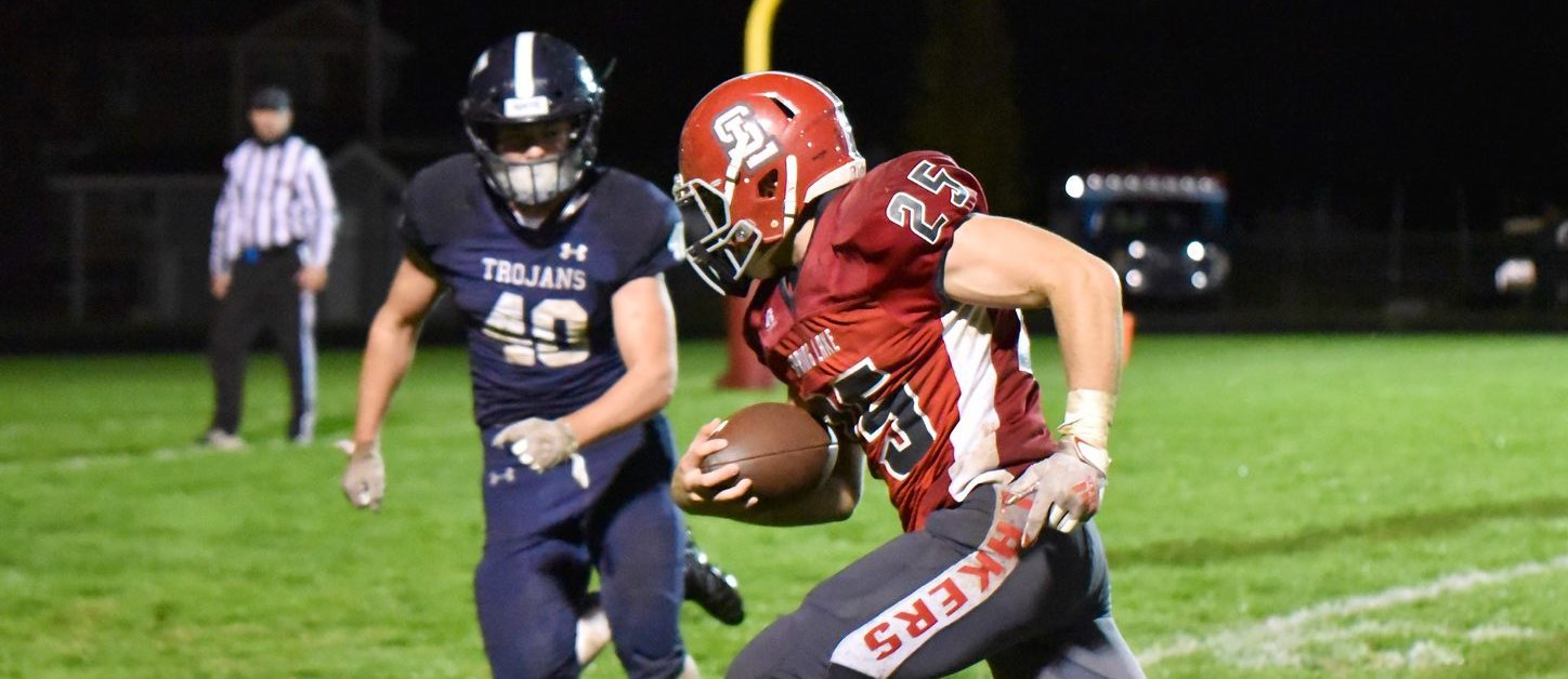 Surging Spring Lake football team makes it three in a row over rival Fruitport with a 54-22 victory