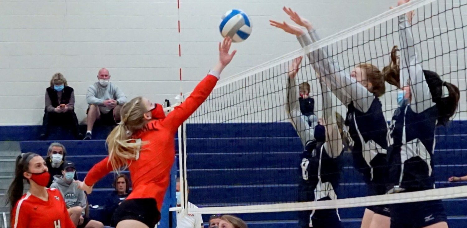Whitehall outlasts Fruitport in four sets to advance to D2 district finals