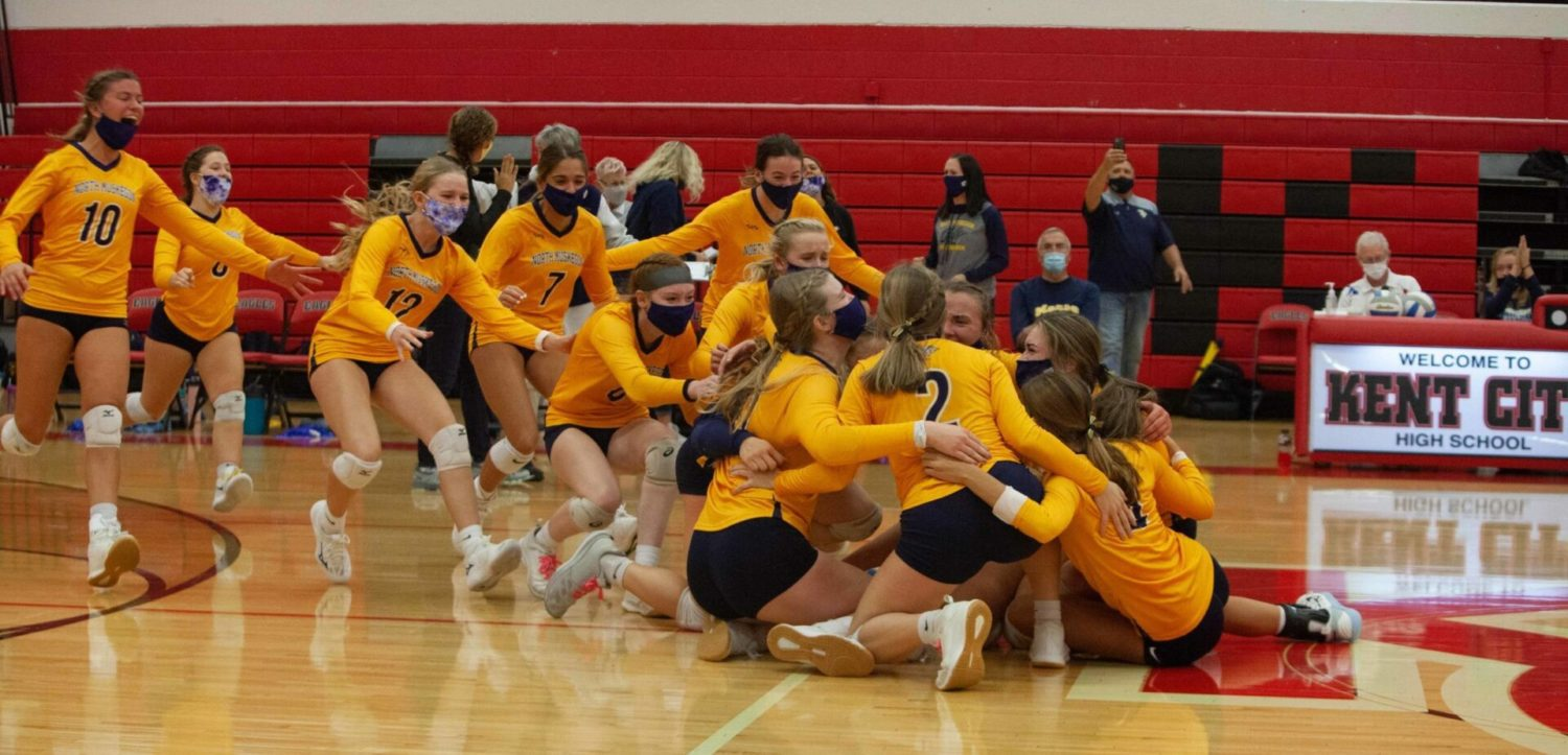North Muskegon volleyball cruises to a surprisingly easy sweep of WMC in D4 district title match