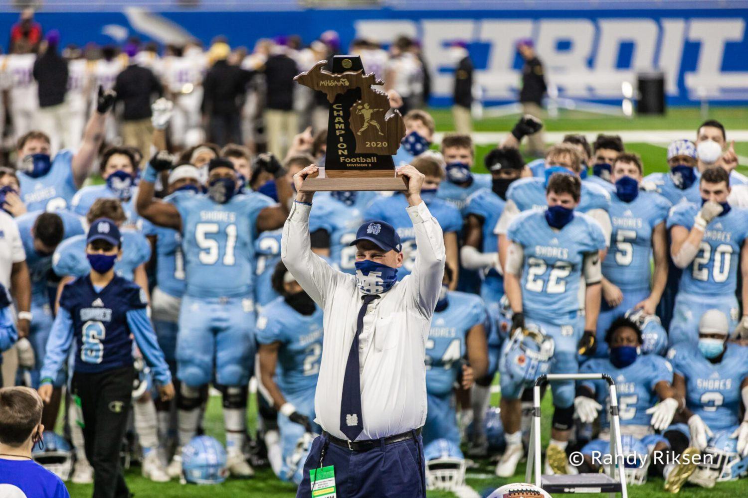[VIDEO] Mona Shores football highlights and photos of the Sailors' big win at Ford Field