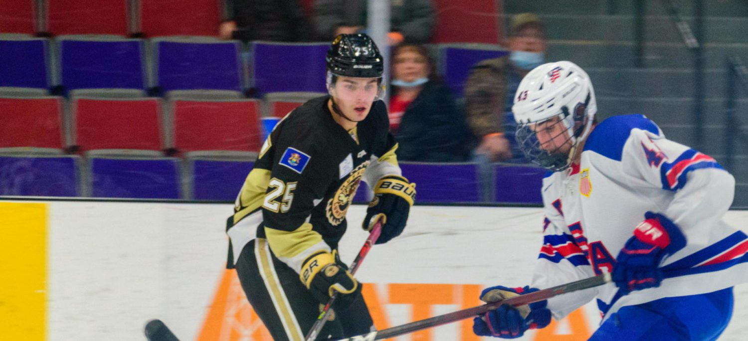 Hank Kempf scores game winner in overtime, giving Lumberjacks a dramatic 3-2 win and a three-game weekend sweep