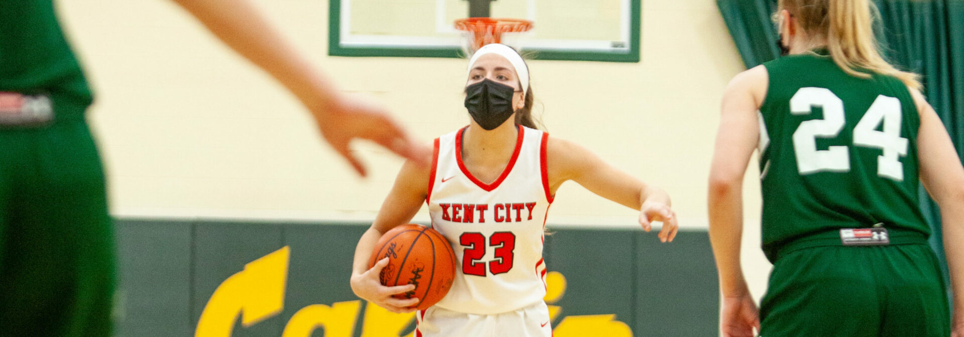 Kent City bombers get hot after halftime, beat Western Michigan Christian 53-37, move on to Division 3 regional finals