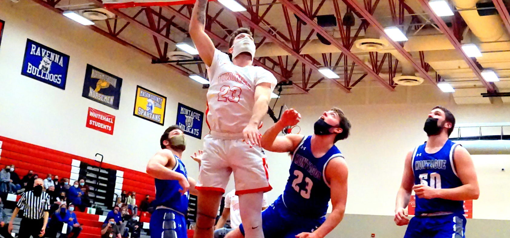 Whitehall boys suffocate Montague with stingy defense, roll to a 46-27 victory and a berth in the D2 district title game
