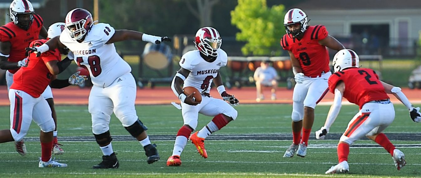 Muskegon Big Reds torch East Kentwood, open 2021 season with hot night from Walton