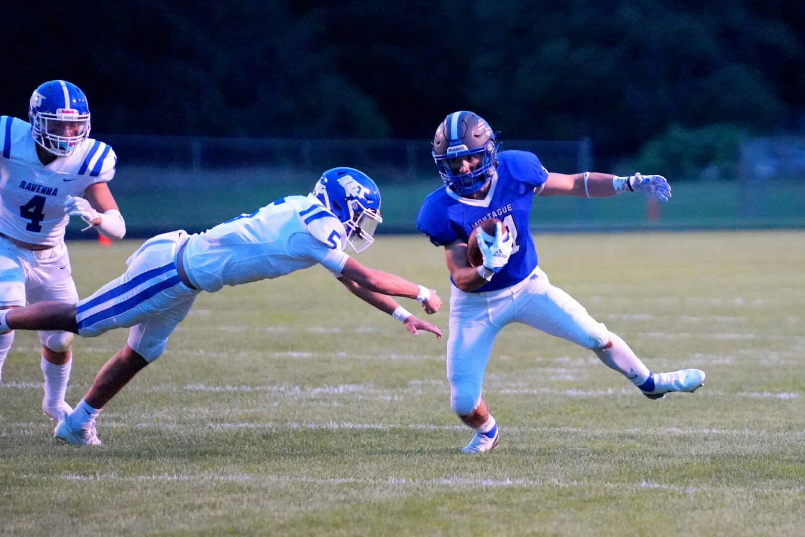 Montague gets just enough offense against Ravenna, stays atop of WMC race (PHOTO GALLERY)