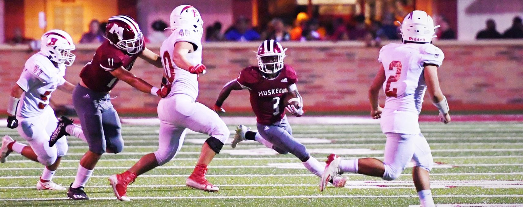 Big Reds' big-play ability and stifling defense overwhelm Holland